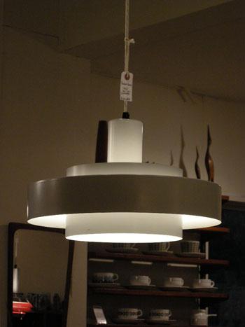 Pendant lamp (DENMARK)_c0139773_18165959.jpg