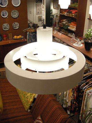 Pendant lamp (DENMARK)_c0139773_18171719.jpg