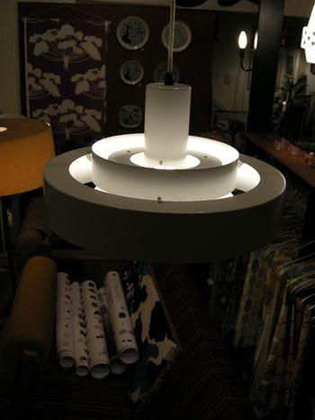 Pendant lamp (DENMARK)_c0139773_18173860.jpg