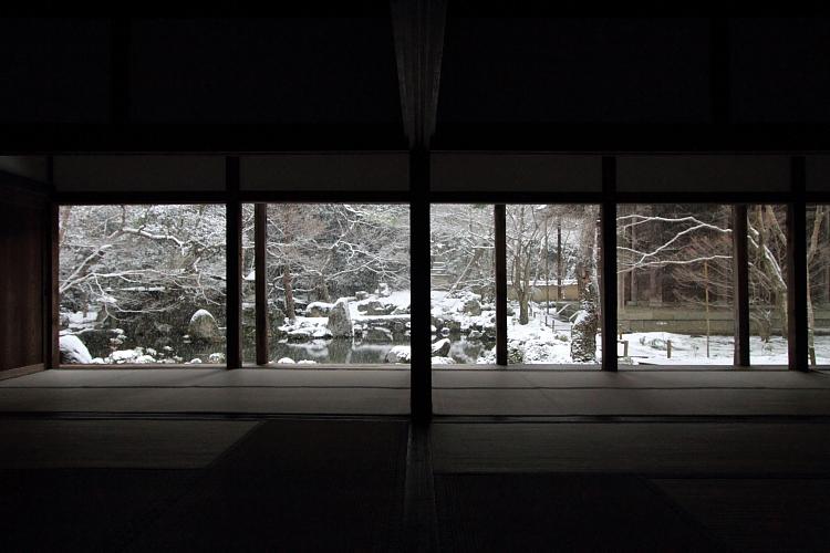 雪の蓮華寺_e0051888_21103417.jpg