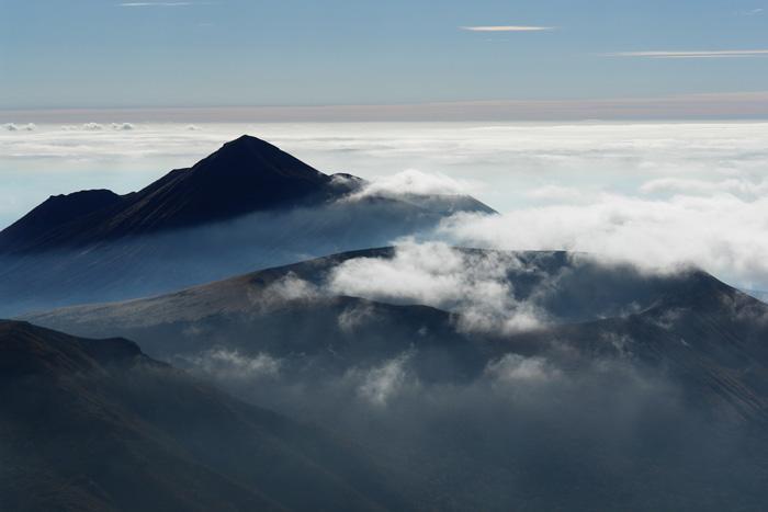 美しき山 by CX2 & DSC-R1_c0049299_1841171.jpg