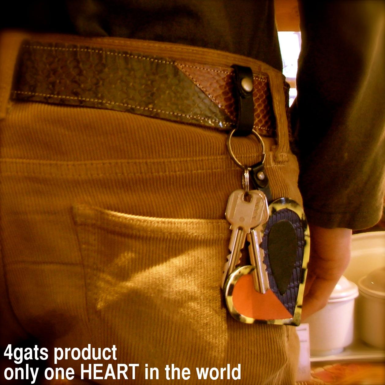 4gats  (クアトロガッツ)  「世界に一つだけ」_a0142923_17223698.jpg