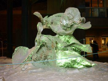 氷の彫刻 (アンカレジ)_b0135948_864490.jpg