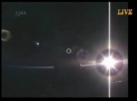 2号機も順調 「こうのとり(HTV)」、ISSへ到着_f0079085_23172156.jpg