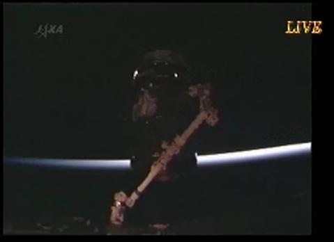 2号機も順調 「こうのとり(HTV)」、ISSへ到着_f0079085_2317697.jpg