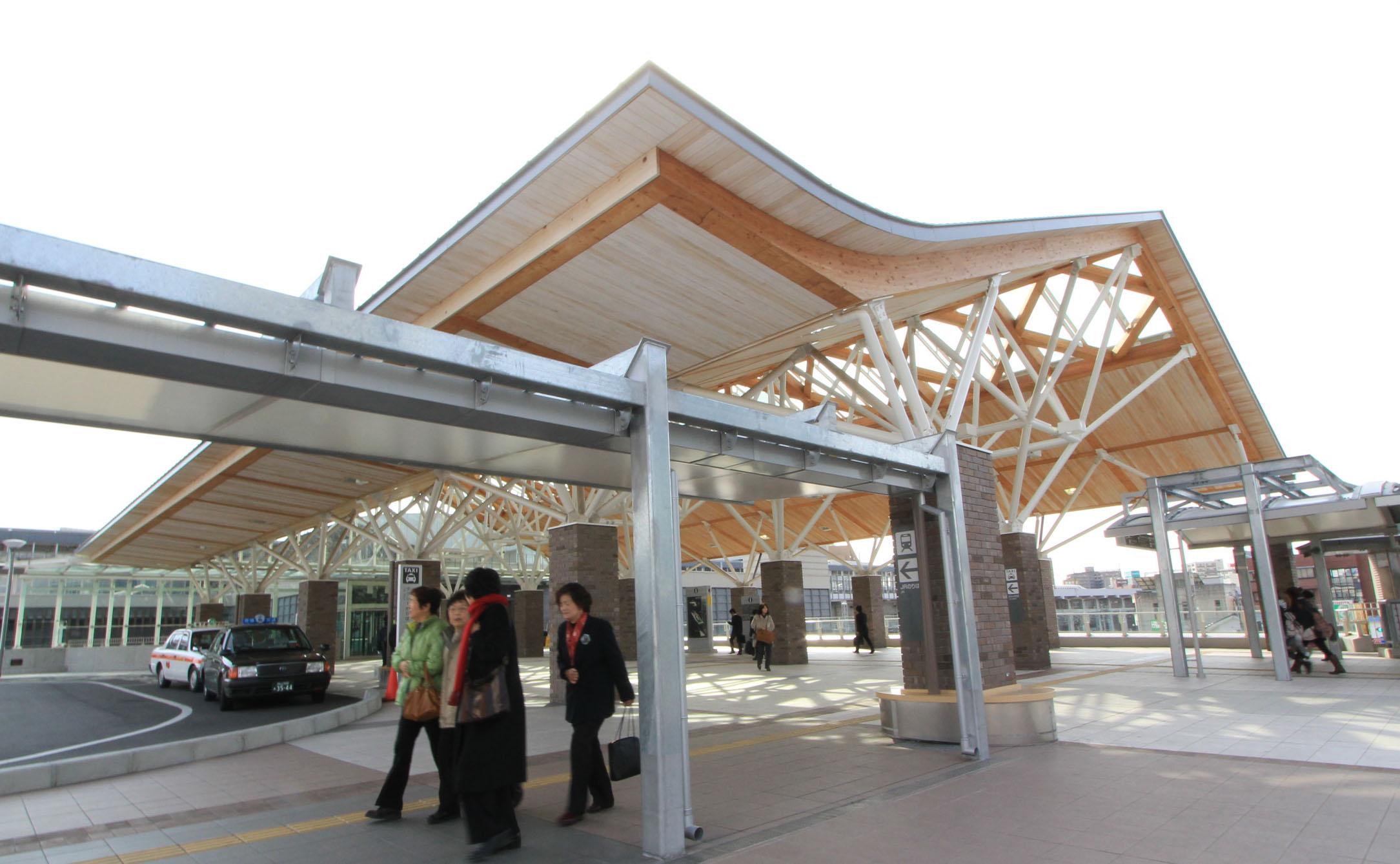 岡山駅木アーケード_e0054299_973521.jpg