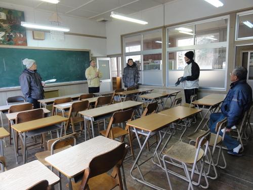 岬の歴史館事前説明会&孝子小学校校庭清掃_c0108460_19542053.jpg