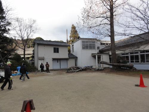 岬の歴史館事前説明会&孝子小学校校庭清掃_c0108460_2001863.jpg
