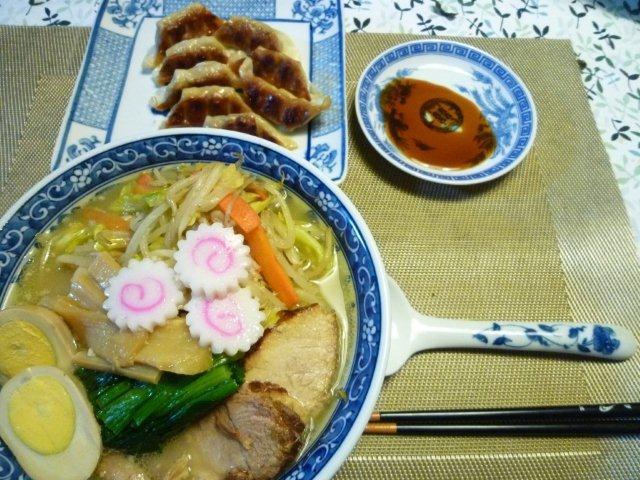 野菜たっぷりの具沢山塩ラーメン♪d(´▽`)b♪_b0175688_19503078.jpg