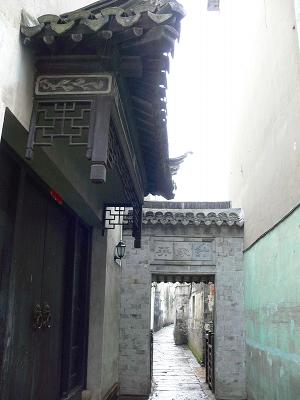 中国出張2010年12月-週末旅行-第二日目-西塘鎮(III) 釦博物館、張正根彫芸術館、路地_c0153302_1615091.jpg