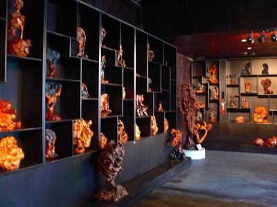 中国出張2010年12月-週末旅行-第二日目-西塘鎮(III) 釦博物館、張正根彫芸術館、路地_c0153302_1635626.jpg