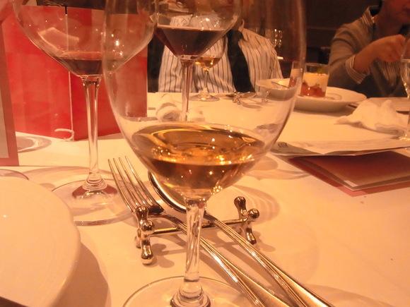 定例のワイン会、今年も楽しくスタート   (記   藤本紀久子)_a0195310_2304954.jpg