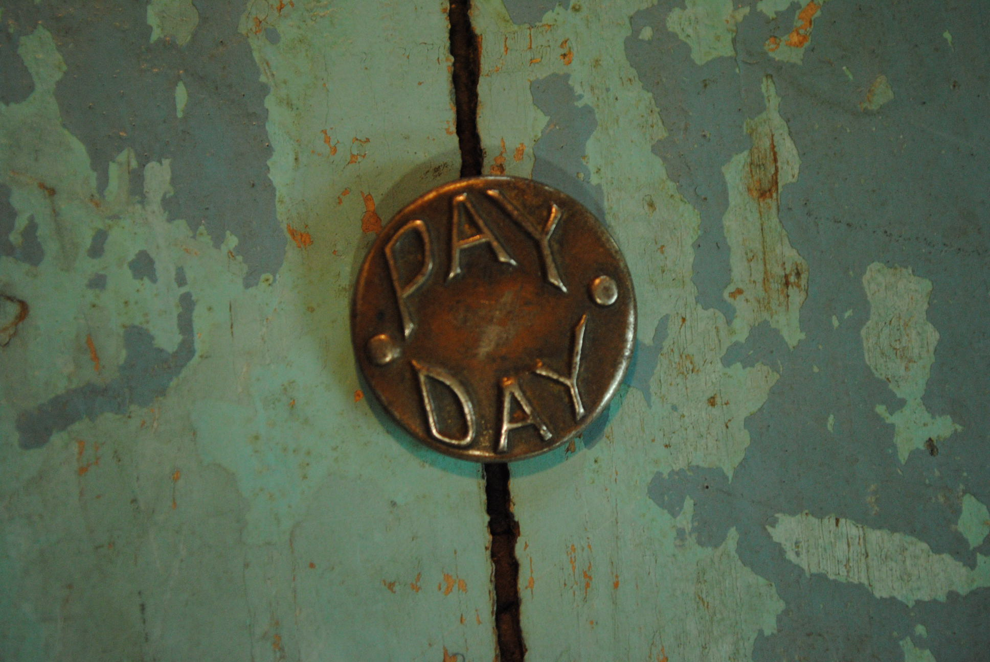 OLD BUTTON -PAY DAY-_f0233425_2042233.jpg