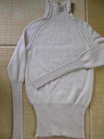 ファクトリーさんのアルパカのセーター。_b0207631_13164317.jpg