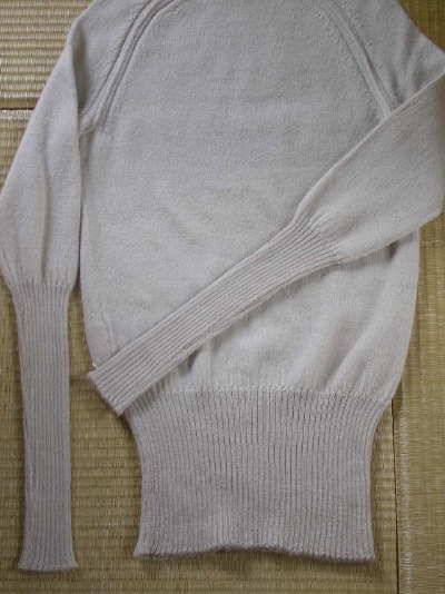ファクトリーさんのアルパカのセーター。_b0207631_13182326.jpg