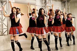 SUPER☆GiRLS「汐留AX定期ライブ」初日で湖池屋とのキャンペーン企画発表!_e0025035_1282672.jpg