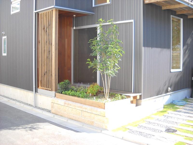 大阪町家 完成_e0118649_1631261.jpg