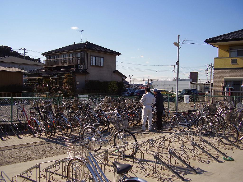 ... 自転車駐車場の放置自転車です
