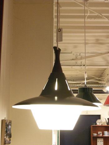 Pendant lamp (DENMARK)_c0139773_18325663.jpg