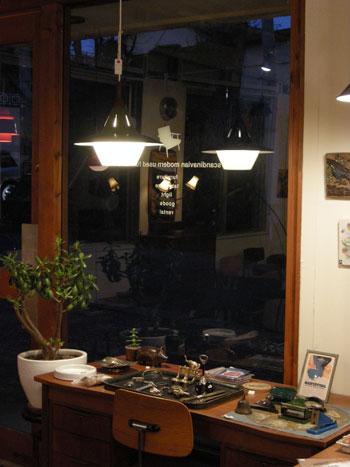 Pendant lamp (DENMARK)_c0139773_18331578.jpg