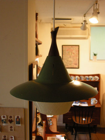 Pendant lamp (DENMARK)_c0139773_1833568.jpg