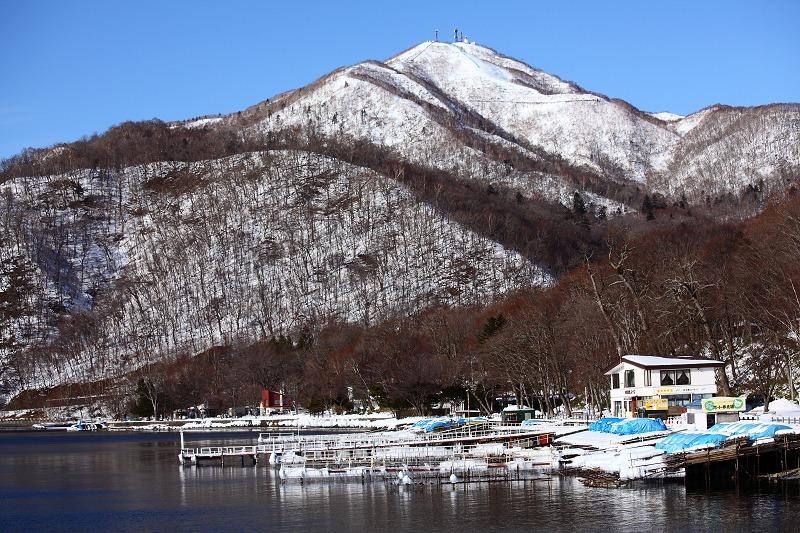 支笏湖畔より 紋別岳_a0160581_1850320.jpg