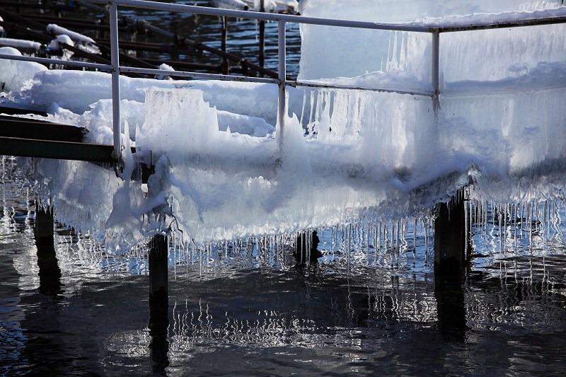 支笏湖畔 本物の氷柱_a0160581_19473516.jpg