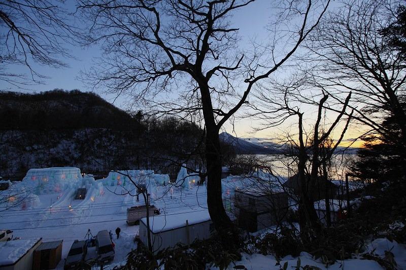支笏湖氷濤祭り前夜 会場準備 1/27_a0160581_20343320.jpg