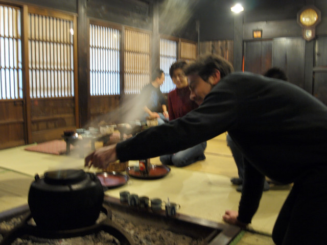 日本列島横断----白川郷でこんなことが!!_c0179785_4482781.jpg