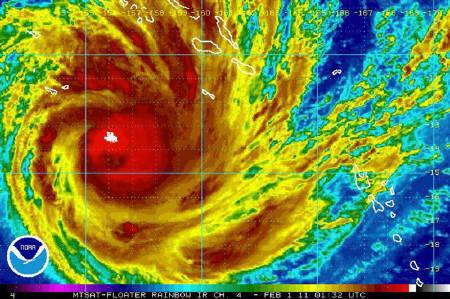 豪州に大型サイクロン上陸の可能性:超巨大台風「ヤシ」接近!_e0171614_23163658.jpg