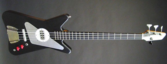 センスが光る!「Worland Guitars」製のGuitar & Bass。_e0053731_17134779.jpg
