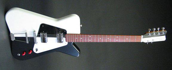 センスが光る!「Worland Guitars」製のGuitar & Bass。_e0053731_17135014.jpg