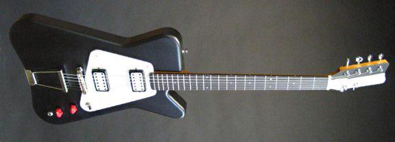 センスが光る!「Worland Guitars」製のGuitar & Bass。_e0053731_17135886.jpg