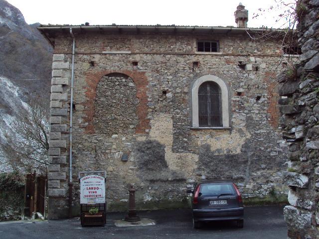 コロンナータの山とオリヴィエロの家へ_d0136540_17583728.jpg