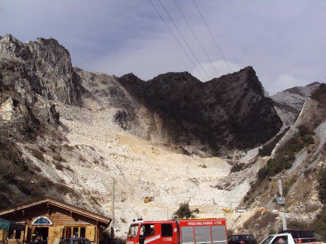 コロンナータの山とオリヴィエロの家へ_d0136540_18472959.jpg