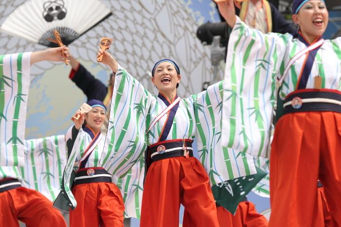 2010年よさこい祭り 全国大会 よさこい鳴子連 今日一屋_a0077663_1894571.jpg