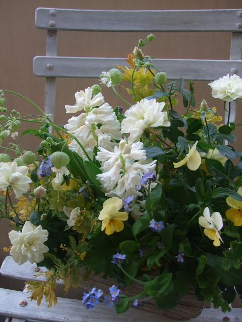 オークリーフ(グリーンアイスと春の草花のアレンジメント)_f0049672_10593271.jpg