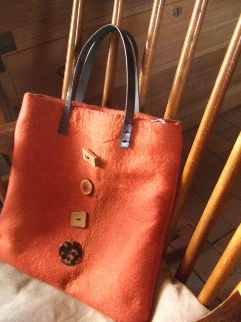 【新作】緋色のラシャのバッグ_a0154979_161332.jpg