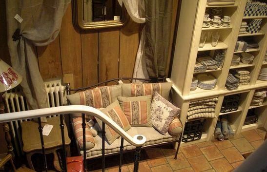 買い付け日記*2011冬*6*パリの可愛いお店_c0094013_9412453.jpg