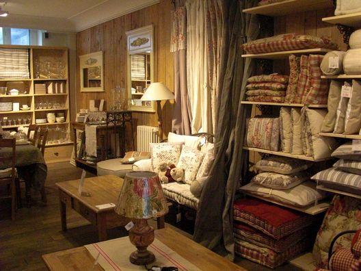 買い付け日記*2011冬*6*パリの可愛いお店_c0094013_9415046.jpg