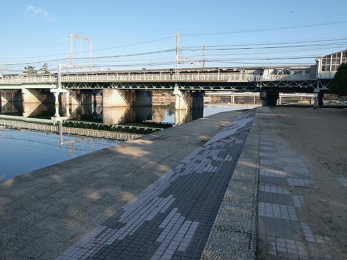 阪神間の各線駅舎1_f0116479_22393292.jpg