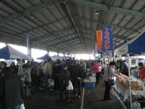 尾鷲イタダキ市に、ヤーヤの賑わいがやってきた_c0010936_22101557.jpg