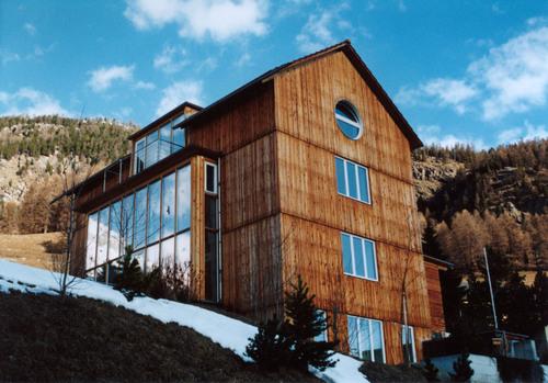 白山でグラウビュンデン州の建築家の話題_e0054299_1401544.jpg
