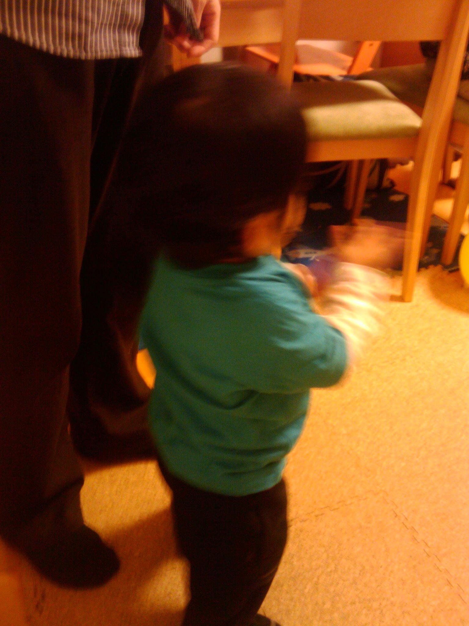 息子が歩き始めました!_e0123104_872111.jpg