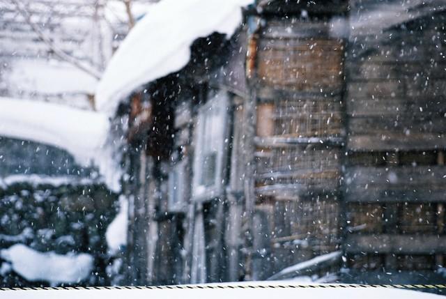 外は白い雪の夜_a0158797_0594583.jpg
