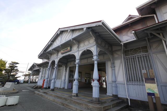 登録有形文化財の木造駅舎_e0214805_641221.jpg