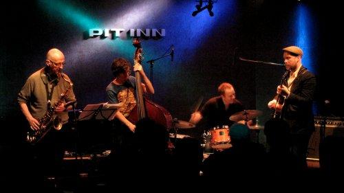 Håvard Stubø Quartet (ホーヴァール・ステューべ・カルテット)- Pit Inn 公演二日目_e0081206_1651890.jpg
