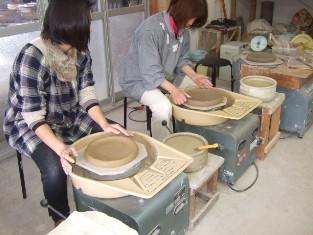 ロクロで皿を挽く_a0039568_19341352.jpg