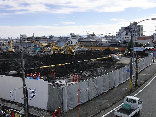 建設が進む「アピタ吉原店」と「コープ富士中央店」_f0141310_23224271.jpg