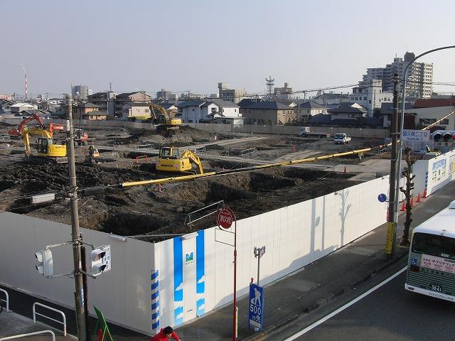 建設が進む「アピタ吉原店」と「コープ富士中央店」_f0141310_2323480.jpg
